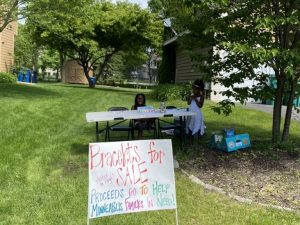 Read more about the article 9-Year-Old Raises Over $70K Selling Bracelets For Minneapolis Communities In Need